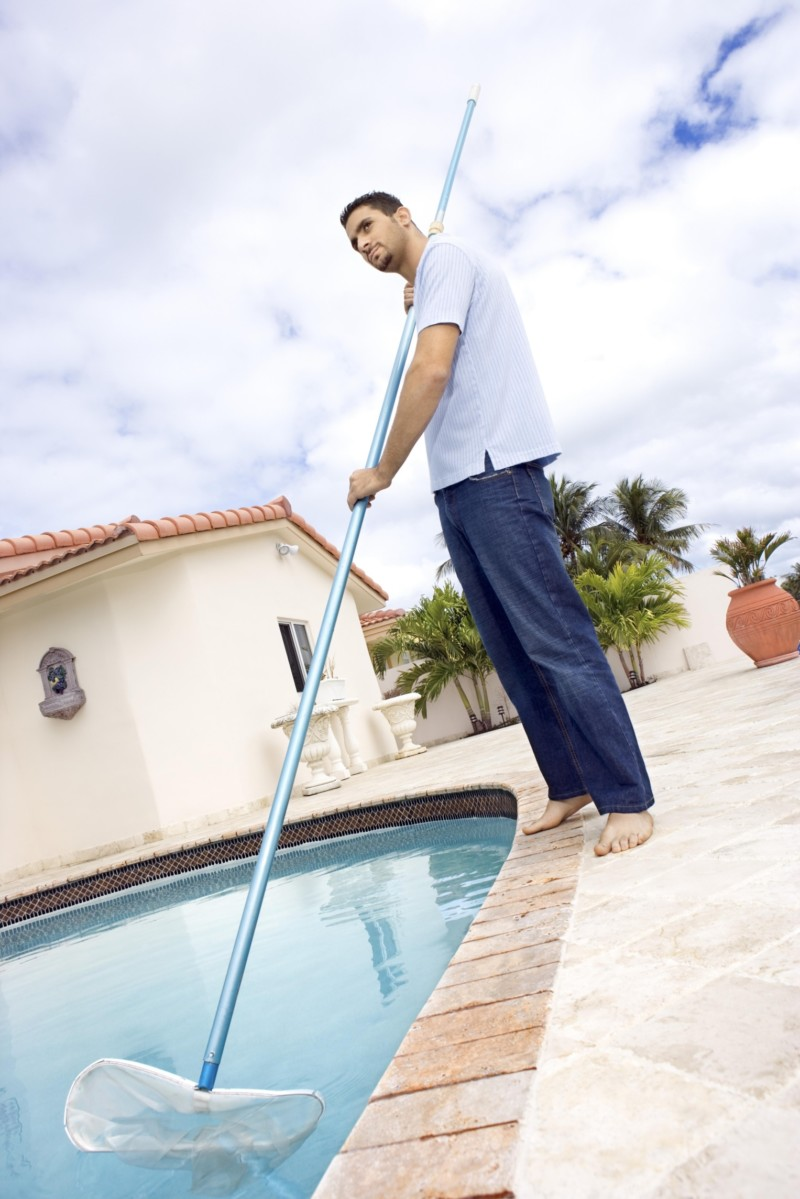 How to shock your swimming pool in 10 easy steps