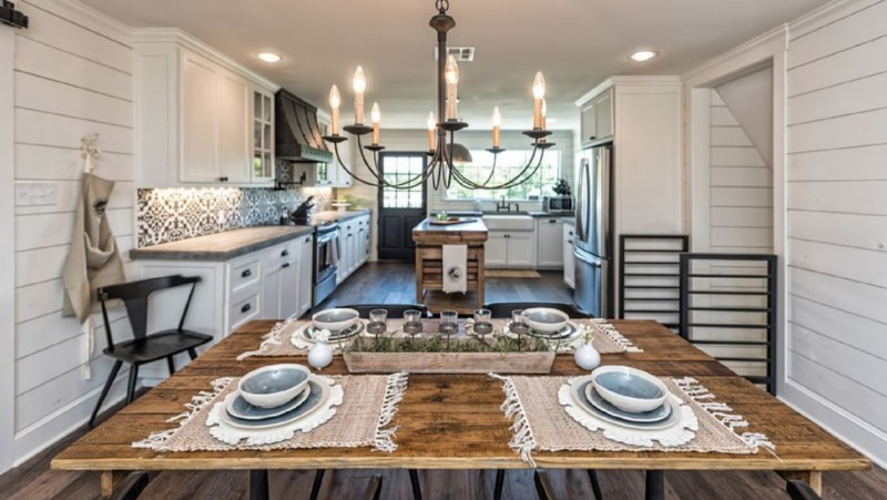 Prairie barndominium kitchen design