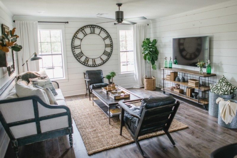 Prairie barndominium living room design