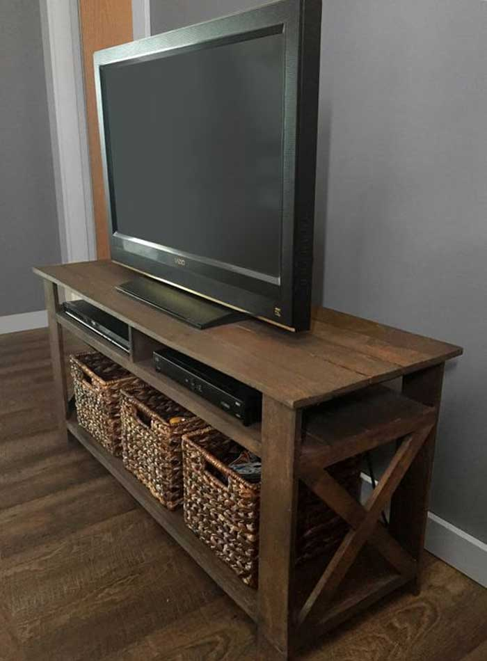 50 creative diy tv stand ideas for your room interior for Table tv bois