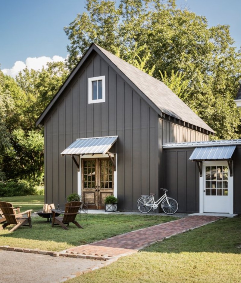 Metal buildings with living quarters everything you need for Barn style metal buildings