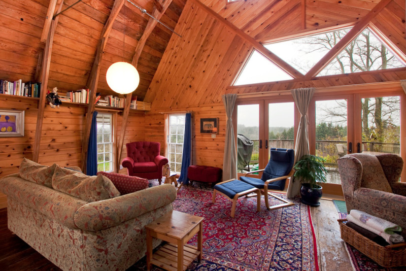 alphine barn house interior with Cathedral ceilings