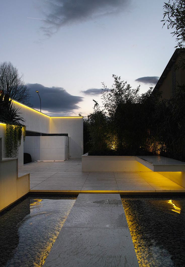 20 landscape lighting design ideas diy design decor - Exterior landscape lighting fixtures ...