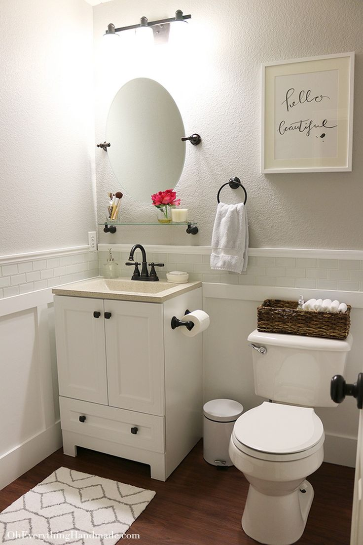 Best 25 small bathroom makeovers ideas on a budget diy for Decorated bathrooms photos