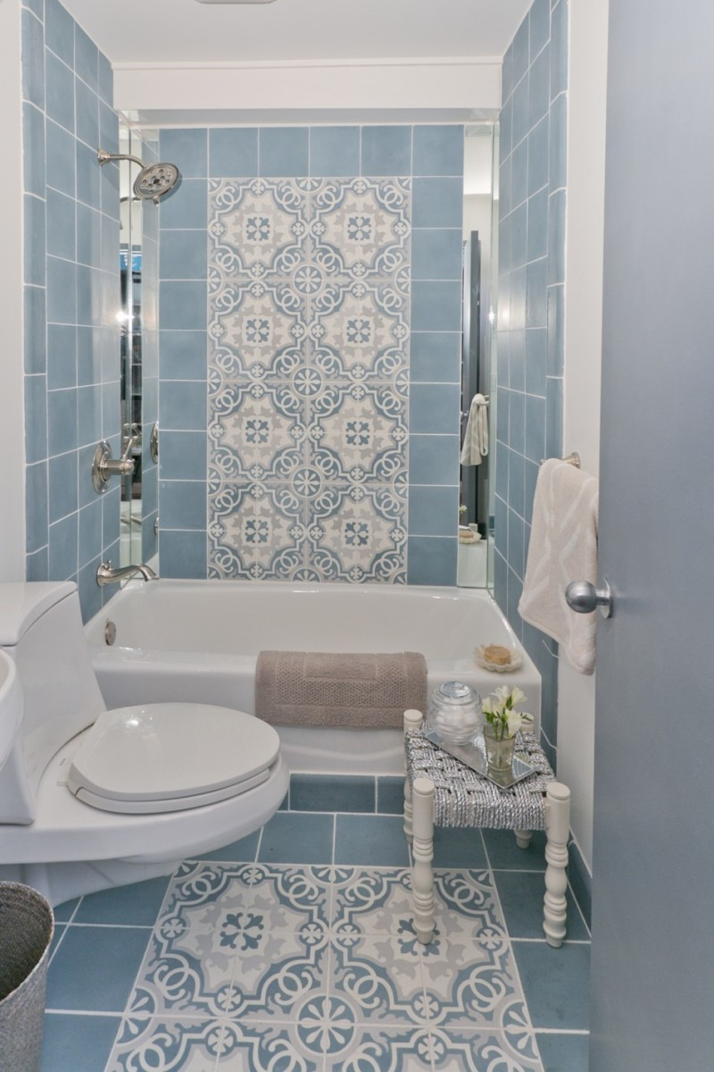 Diy bathroom tile - Beautiful Minimalist Blue Tile Pattern Bathroom Decor