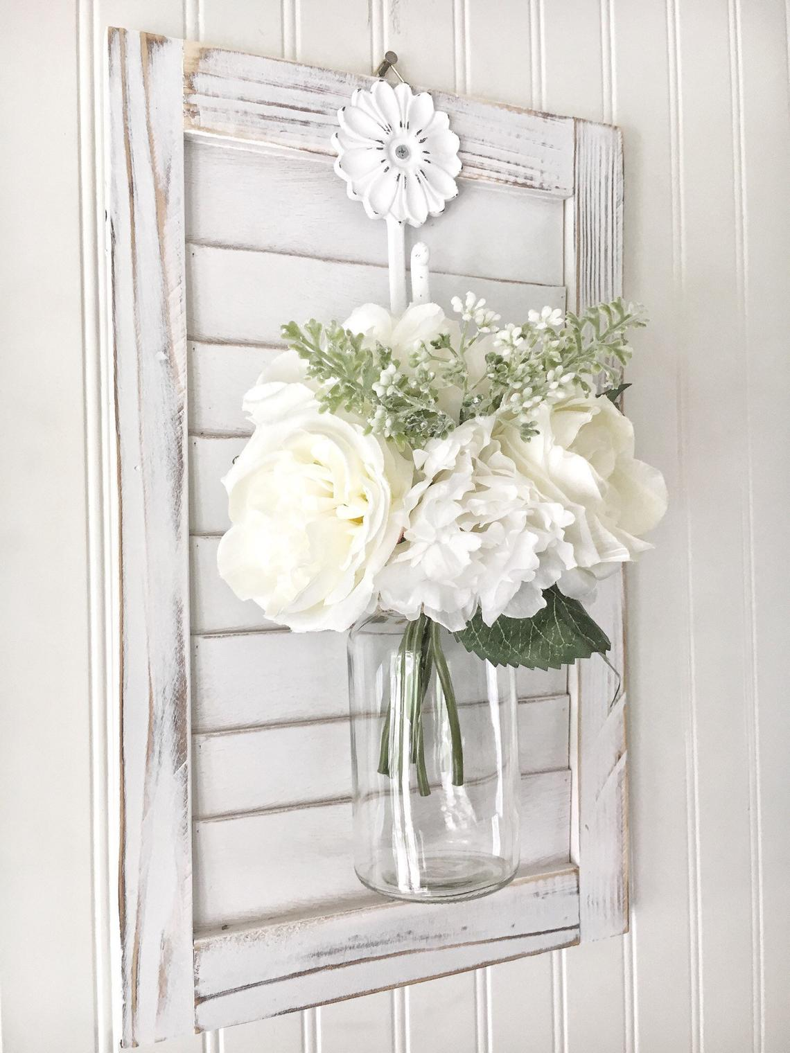 Farmhouse floral wall hanging