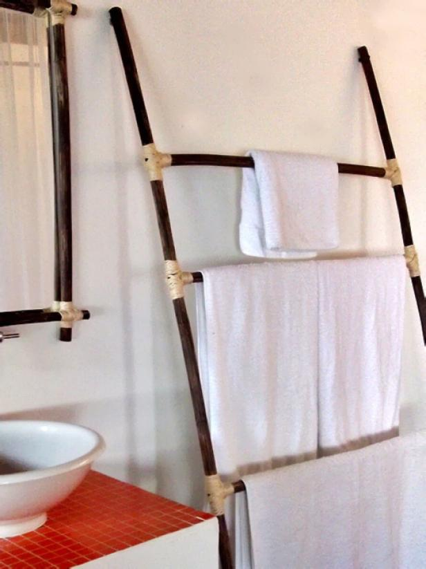 Tropical-Style Towel Rack